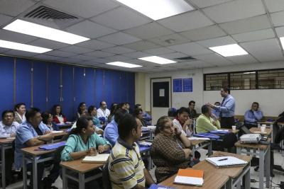 Personal del ISSS participa en capacitaciones sobre Educación Financiera