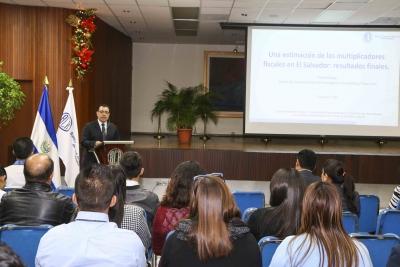 REDIBACEN: La Política Fiscal en El Salvador y su impacto en el crecimiento económico