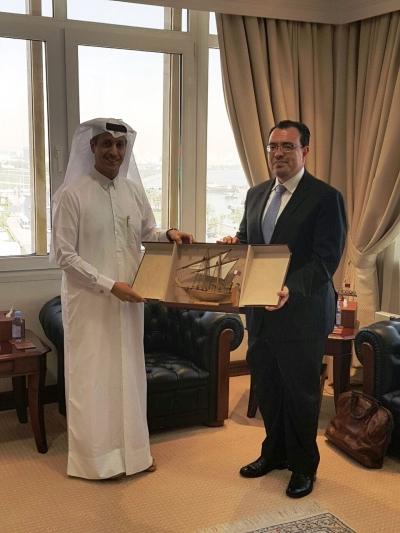 El Presidente del BCR, Dr. Óscar Cabrera junto al Vicegobernador del Banco Central de Qatar, su excelencia Sheikh Fahad Faisal Al-Thani.