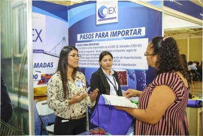 """Banco Central y CIEX El Salvador participan en el congreso """"Experiencia PYME"""""""