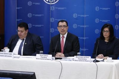 Presidente del BCR Dr. Óscar Cabrera, expone la Situación de la Economía Salvadoreña y Perspectivas a Junio de 2017