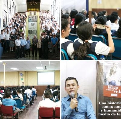 """Jóvenes del colegio La Divina Providencia participaron en la presentación de la novela """"Tan largo como la vida"""" del autor Jairo Lara."""