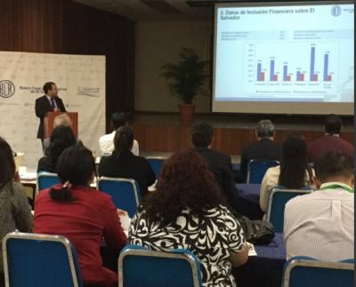 Lic. Clemente Blanco, brinda conferencia REDIBACEN en auditorio del Banco Central de Reserva