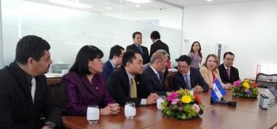 Dr. Óscar Cabrera acompaña al Vicepresidente de la República en recibimiento del CEO para América Latina de Huawei