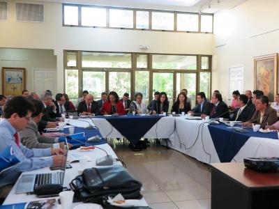 """La presentación del Plan """"Casa Abierta: Salvadoreños en el exterior 2016-2019"""" se desarrolló en el salón Camilo Minero de RREE."""