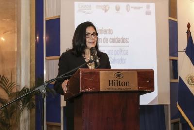 Vicepresidenta BCR brinda palabras en seminario Reconocimiento y Provisión de Cuidados